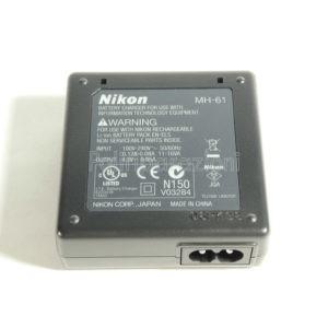 Caricabatterie Nikon MH-61 EN-EL5 per batterie P530 P520 P510 P500 P100 P5000 P5100